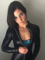 Female pro wrestler & fetish model needs YOU to entertain her!