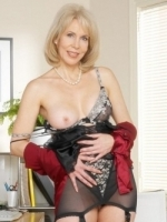 Mature Sexy Woman for All your Taboo Phone Sex Needs!