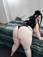 sexy bbw ready to entertain your dick